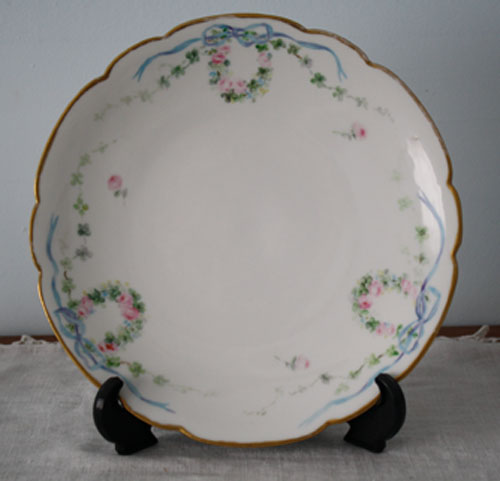 Faded roses plate