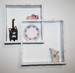 Objectsonshelf